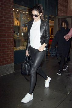Kendall Jenner Style with Jaden Smith City June 2015 Kendall Jenner Style, Kendall Jenner Outfits Casual, Casual Outfits, Kylie Jenner Bags, Lederhosen Outfit, Outfits Leggins, Star Fashion, Womens Fashion, Fashion Fashion