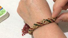 Diy Leather Bracelet, Woven Bracelets, Handmade Bracelets, Bead Embroidery Jewelry, Beaded Jewelry Patterns, Diy Schmuck, Diy Necklace, Bracelet Making, Beautiful