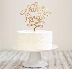 Topo de bolo personalizado - Nomes dos noivos.