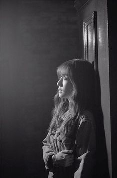 SNSD Tiffany shares pictures from the set of her 'Heartbreak Hotel' MV