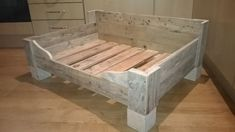Bespoke dogs bed made from reclaimed wood, could be made smaller for cats… Rustic Dog Beds, Wood Dog Bed, Pallet Dog Beds, Diy Pallet Bed, Diy Dog Bed, Diy Bed, Dog Furniture, Pallet Furniture, Raised Dog Beds