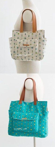 As bolsas e seus bolsos frontais sempre tão bonitos…Esse modelo é da I thinksew que vende moldes super bonitos e com uma profusão de modelos que a gente se perde ali. Esta bolsa tem moldes para doi…
