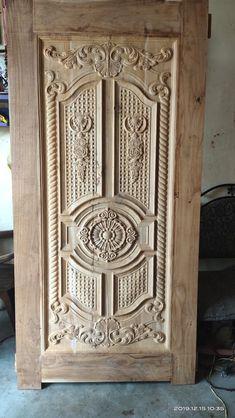 Pooja Door Design, Front Door Design Wood, Wooden Door Design, Door Design Interior, Modern Wooden Doors, Modern Door, Wooden Sofa Designs, Exterior Front Doors, Wall Shelves Design