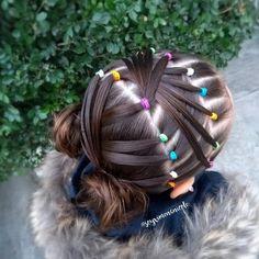 🌈 Estilo de hoy ✨💗 Espero que les guste tanto como a mi 😍🙌 ______________________________ #peinadosdeniñas #peinadosbonitos #kidshairstyles… Cute Toddler Hairstyles, Cute Little Girl Hairstyles, Baby Girl Hairstyles, Braided Hairstyles, Kids Box Braids, Cute Box Braids, Competition Hair, Girl Hair Dos, Hair Due