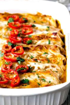 Sweet Chili Chicken Enchiladas Chicken Pizza, Chicken Enchiladas, Chicken Tacos, Mexican Dishes, Mexican Food Recipes, Sweet Chili Chicken, Teriyaki Chicken, Pulled Pork Tacos, Carlsbad Cravings