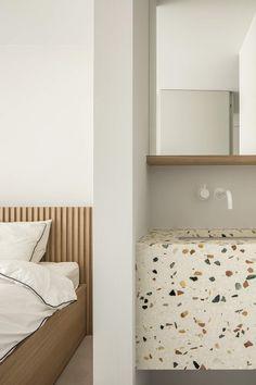 Minimalist Home Interior .Minimalist Home Interior Cheap Dorm Decor, Dorm Decorations, Home Decor Items, Home Decor Accessories, Modern Headboard, Minimal Home, White Sink, Interiores Design, Large Furniture