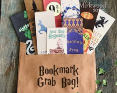 Buy this listing for NINE Random Printed Harry Potter Themes Bookmarks. These may be Harry Potter Hogwarts Hogwarts H Marque Page Harry Potter, Harry Potter Thema, Harry Potter Bookmark, Cumpleaños Harry Potter, Harry Potter Birthday, Creative Bookmarks, Diy Bookmarks, Harry Potter Bricolage, Harry Potter Classroom