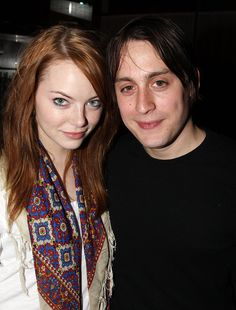 Pin for Later: They Dated? Celebrity Couples From the Past Emma Stone and Kieran Culkin Emma and Kieran were rumoured to be an item around 2009 and Famous Couples, Famous Men, Famous People, Emma Stone Dating, Kieran Culkin, Cute Celebrity Couples, Emma Stone Style, Celebrities Then And Now, Couple