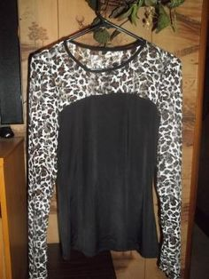 NICE/SEXY,NWOT, LEOPARD LACE SLEEVES/BLACK SILK SHIRT!SZ.1X,PERFECT 4 EVENINGSW/F S!