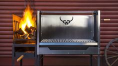 García is raising funds for Gaucho García: Argentine-style hardwood grills on Kickstarter! Modern design and craftsmanship meet old world tradition. A fully-adjustable hardwood grill with features you won't find anywhere else. Gaucho, Modern Outdoor Grills, Argentine Grill, Outdoor Kitchen Bars, Outdoor Kitchens, Wood Oven, Grill Design, Outdoor Cooking, Outdoor Grilling