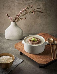 마켓컬리 :: 내일의 장보기, 마켓컬리 Food Menu, A Food, Food And Drink, Cookbook Design, Dark Food Photography, Hotel Food, Restaurant Menu Design, Food Drawing, Korean Food