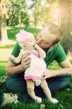 Father daughter portrait, snuggles, kisses, baby photo by Lillabella Photography