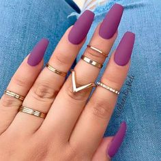 You've probably noticed a movement toward bare-ish nails lately. (Call it the anti-nail art, if you will.) The 2 of the biggest nail trends to emerge from the Spring/ Summer 2018 runway shows are the graphic art and matte metallic nails. Summer Acrylic Nails, Best Acrylic Nails, Acrylic Nail Designs, Summer Nails, Spring Nails, Fall Nails, Classy Nails, Stylish Nails, Trendy Nails