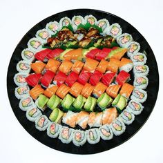 Oysy Sushi San Jose, serving 36 superb sushi specials & other Japanese cuisine. Sushi Catering, Sushi Menu, Sushi Cake, My Sushi, Sushi Party, Sushi Boat, Appetizer Buffet, Appetizer Recipes, Tempura