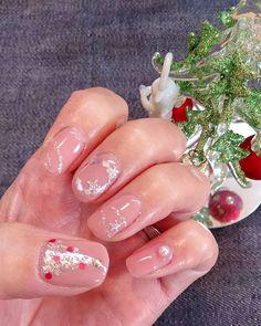 ネイルchange♪ クリスマスnail ✨ 小指のパール、nail 用じゃないからめっちゃ飛び出てるし(*`艸´)笑 ま、いっか。:+((*´艸`))+:。 #ネイル#nail #ネイルchange#セルフネイル#ジェル#ジェルネイル#自己流#自己満#クリスマス#クリスマスネイル#ツリー#リース#パールでかっ(*`艸´)