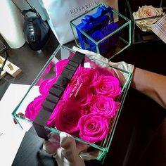 #rosariumbudapest #eternityroses #örökrózsa #pinkroses Budapest, Gift Wrapping, Instagram Posts, Gifts, Gift Wrapping Paper, Presents, Wrapping Gifts, Favors, Gift Packaging