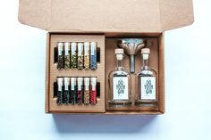 DO YOUR GIN® craft gin making kit, 12 first-class Botanicals, perfect