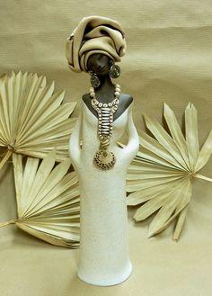 Kateřina Baranowska: Papuana - černá kráska s velkým náhrdelníkem