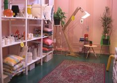 Store without a home, Haarlemmerstraat 36  http://storewithoutahome.yokaboo.com