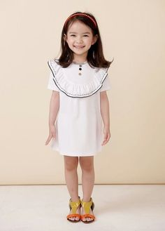 Coco Bang presents a classic look of the early Summer collection! Find more here; Preppy Outfits, Boy Outfits, Classic Looks, Classic Style, Asian Kids, Kids Wardrobe, Preppy Look, Girls Dresses, Summer Dresses