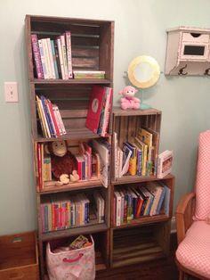 DIY bookshelf: crates