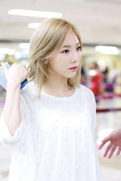 Reject the Binary Sooyoung, Yoona, Snsd, Girls' Generation Taeyeon, Girls Generation, Yuri, Korea Street Style, Taeyeon Fashion, Kpop Hair