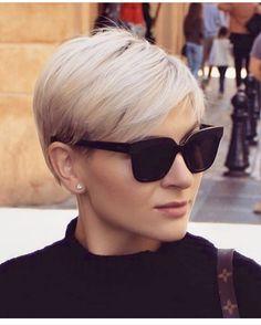 Popular Short Hair Ideas For Women – Trending Hairstyles Short Hairstyles For Thick Hair, Cute Short Haircuts, Pixie Hairstyles, Pixie Haircut, Curly Hair Styles, Short Hair Cuts For Women Thin, School Hairstyles, Easy Hairstyles, Blonde Pixie Cuts