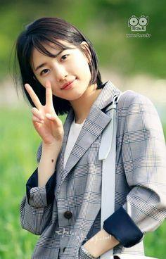 "Suzy - ""While You Were Sleeping"" Bae Suzy, Asian Short Hair, Short Hair Cuts, Short Hair Styles, Korean Actresses, Korean Actors, Korean Beauty, Asian Beauty, Suzy Drama"