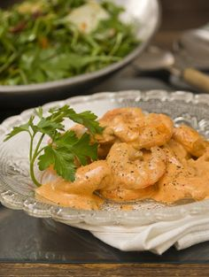 Shrimps in creamy sauce with ouzo