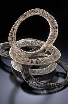 Secret Life of Jewelry - A Universe of Handcrafted Art to Wear: Sculptural Wire Jewelry by Kathy Frey