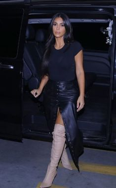 Kim Kardashian Spotted out of Her Hotel in Yerevan. The American model was spotted outside a hotel in Armenia's capital Yerevan on 7 October 2019 Kim Kardashian Bikini, Kim Kardashian Wedding, Kardashian Style, Kardashian Jenner, Kourtney Kardashian, Kim Kardashian Yeezy, Mode Outfits, Fashion Outfits, Womens Fashion