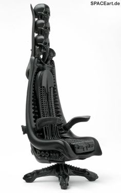 H.R. Giger: Harkonnen Chair - Skull Edition, Finished model (Picture 4)
