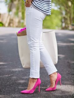 A touch of navy and pink, great combo