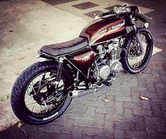 Wicked CB550F from @callum_methley. Taken from @suuscustoms
