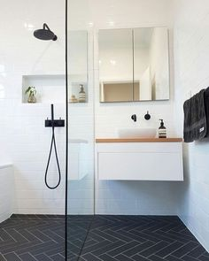"15 great bathroom renovation ideas you need to know! - Almost three quarters of customers who contact us to get a bathroom renovation offer in Perth often say at first: ""I have a really small bathroom. "" Therefore, the right kind of advice Compact Bathroom, Bathroom Storage, Modern Bathroom, Bathroom Black, Bathroom Small, Simple Bathroom, Small White Bathrooms, Bamboo Bathroom, Bathroom Organization"