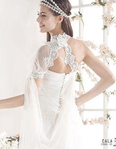 ZINIA | Bohemian Wedding Dress | 2015 Cala Collection | by Sara Villaverde | Villais (close up back)