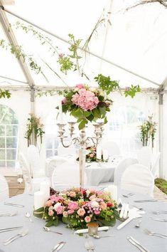 décoration de table mariage -centre-table-hauteur-hortensias-roses