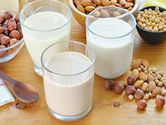 There are varieties of milk alternatives in the market. In case of unavailability or other health issues of dairy milk people tend to take milk alternatives . Coconut Milk Substitute, Is Almond Milk Healthy, Coconut Milk Nutrition, Make Almond Milk, Cashew Milk, Almond Meal, Lactose Free Diet, Sem Lactose, Fromage Vegan