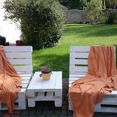 Wooden Pallet Day to Day use Household Furniture - Home Pallet DIY Wooden Pallet Projects, Pallet Crafts, Pallet Ideas, Pallet Furniture, Outdoor Furniture Sets, Outdoor Decor, Wood Pellets, Pallets Garden, Woodworking Projects