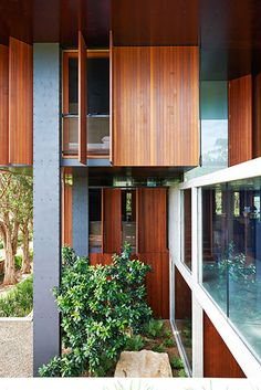 land house / peter stutchbury architecture / steel, concrete, timber, operable shutters