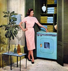 Announcing General Electric's New Combination Washer-Dryer :: :: Vintage Ads :: Mid-Century Modern Mid Century Decor, Mid Century House, Mid Century Design, Vintage Laundry, Vintage Kitchen, Ge Washer And Dryer, Vintage Housewife, 1950s Housewife, Deco Retro