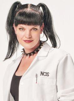 Ncis season 3 episode 8 under covers ncis for Ncis abby tattoo