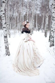 TOP 13 WINTER WEDDING DRESS STYLES