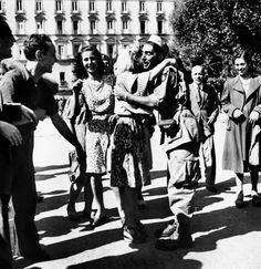 Robert Capa during the liberation of Naples , 1943//Magnum Photos