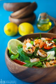 Grilled Shrimp and Red Pepper Salad with Lemon Honey Dressing + Buzz Cut white. Shrimp Salad, Grilled Shrimp, Salad Bar, Soup And Salad, Seafood Recipes, Cooking Recipes, Cooking Tips, Clean Eating, Healthy Eating