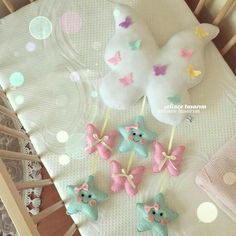 Baby Crafts, Felt Crafts, Diy And Crafts, Felt Mobile, Baby Mobile, Baby Cot Mobiles, Felt Angel, Sewing To Sell, Felt Baby
