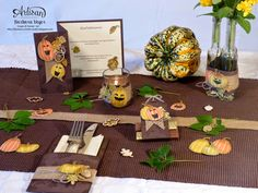 This beautiful decoration fits nicely with a good autumn menu. Barbara Meyer