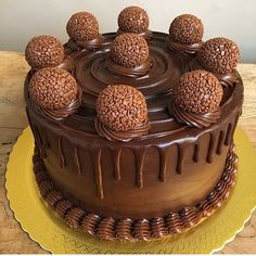 Chocolate Box Cake, Chocolate Desserts, Lollipop Cake, Cupcake Cakes, Cake Recipes, Dessert Recipes, Pumpkin Smoothie, Just Cakes, Food Platters
