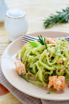 Find seafood inspirations & meal ideas in Let's Eat. Salmon Pesto Pasta is quick, delicious, and filled with Start eating more fish! Salmon Pesto Pasta, Pesto Sauce, Pasta Noodles, Protein Pack, Weeknight Dinners, Cooking Tips, Olive Oil, Shrimp