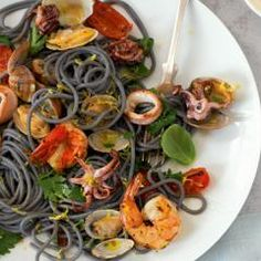 Spaghetti frutti di mare DasKochrezept.de Pasta, Meat, Chicken, Ethnic Recipes, Food, Easy Meals, Chef Recipes, Food Food, Christmas